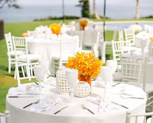 colin cowie wedding brunch table setting coral